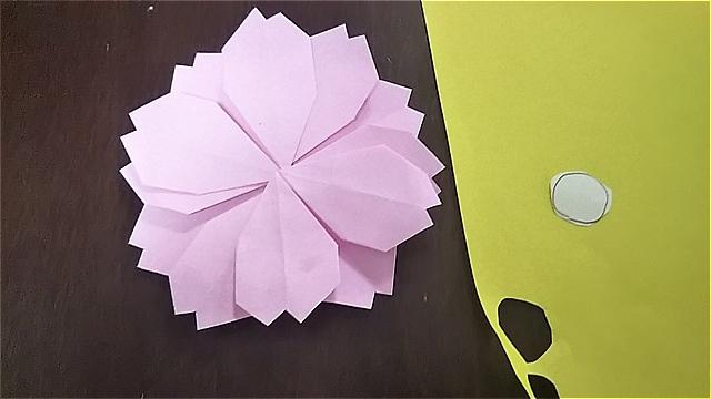 折り紙コスモス~花弁を合わせて丸い花にする~