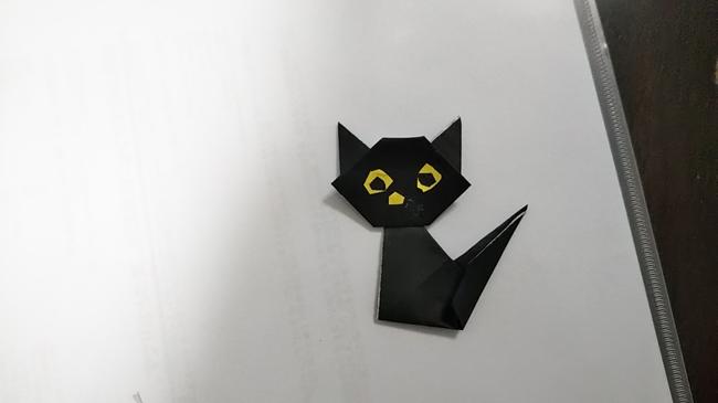 黒猫の顔と胴体をくっつける1 (1)