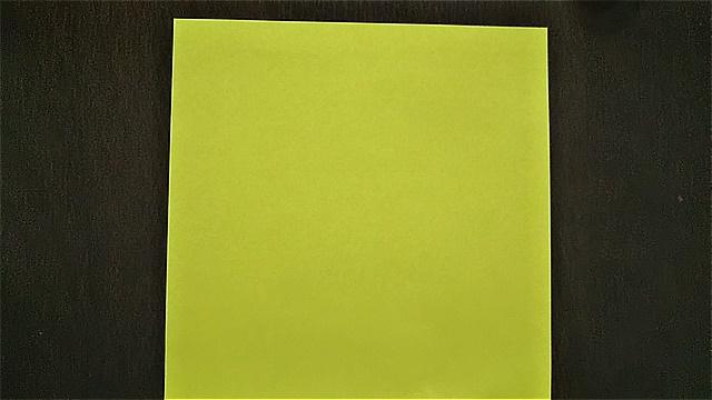 4枚の折り紙で作るリースの折り方~手順~ (1)