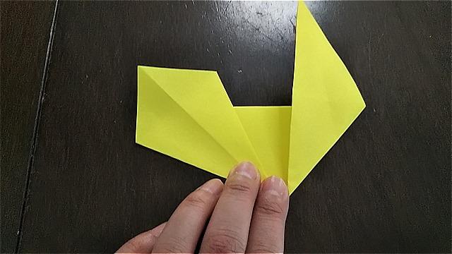 4枚の折り紙で作るリースの折り方~手順~ (12)
