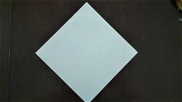 4枚の折り紙で作るリースの折り方~手順~ (2)