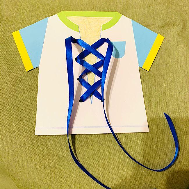 靴紐結びの練習おもちゃ『リボン結びのシャツ』手作りする方法