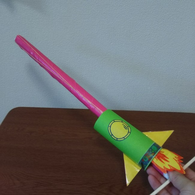 【トイレットペーパーの芯工作】ロケットの作り方★輪ゴムと割り箸で簡単手作り!