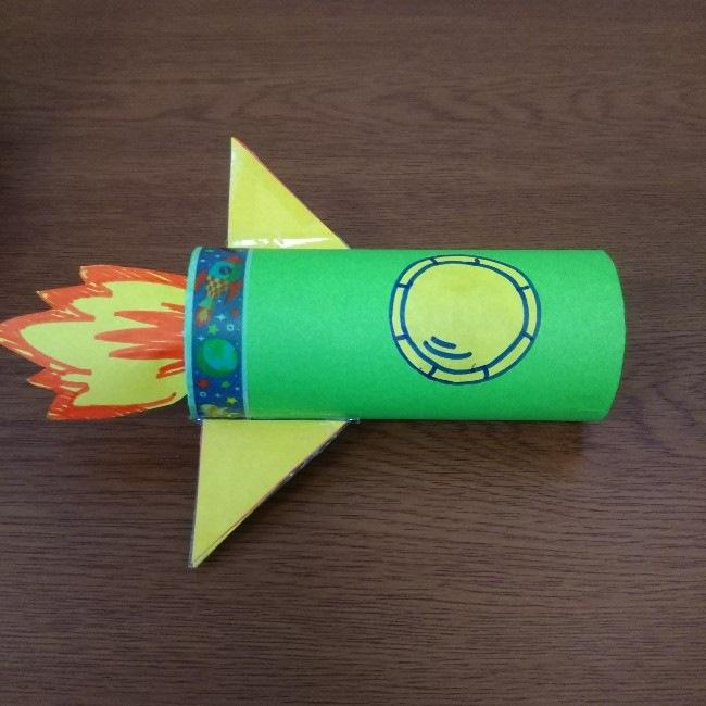 トイレットペーパーの芯工作|ロケットの作り方