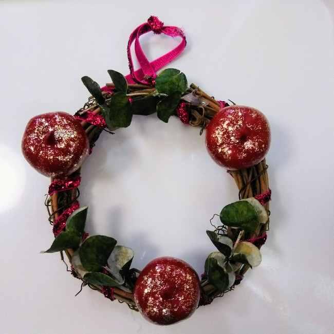 クリスマスリースの作り方☆100均材料だけで簡単 (5)