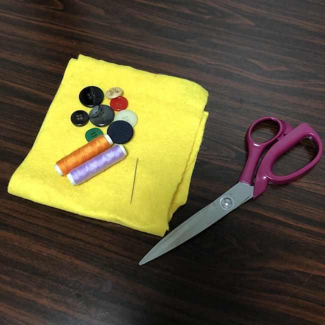 ボタン練習用の手作りおもちゃは簡単に作れる♪