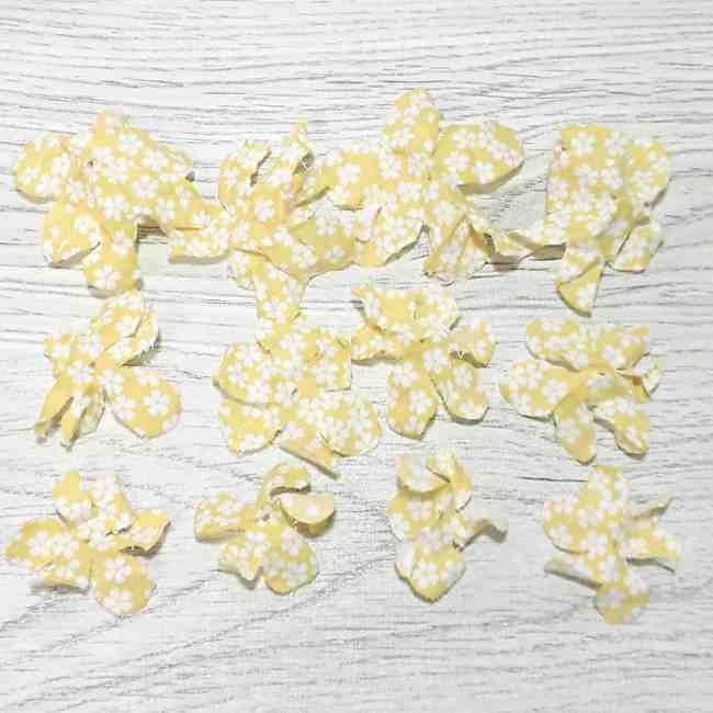 布コサージュの作り方(ボンドを使用・薔薇風) (14)