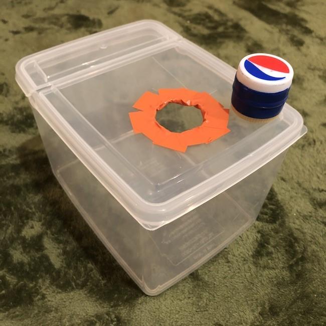 手作りおもちゃ|ぽっとん落としの簡単な作り方♪0歳1歳の指先の発達に (1)