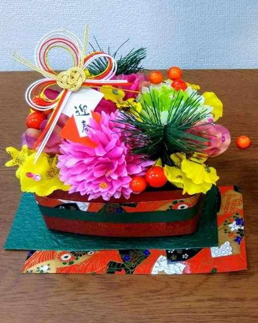 お正月フラワーアレンジメントを手作りする作り方★造花と100均材料で簡単おせち風