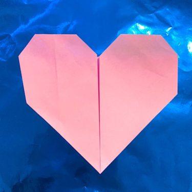 折り紙のハート|簡単で幼児(2歳児3歳児4歳児)にもオススメの折り方・作り方
