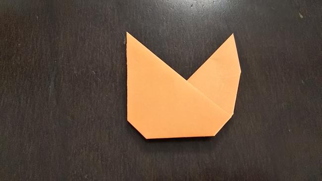 折り紙でリスの体もつくって全身に★