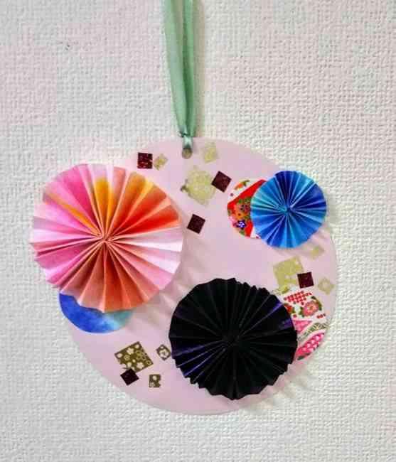 画用紙工作「おしゃれな花の壁面飾り」の簡単な作り方★和風・お正月に手作りしたよ♪
