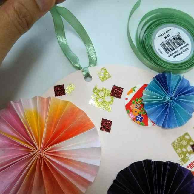 色画用紙の花の壁面飾りは簡単♪作り方 (10)