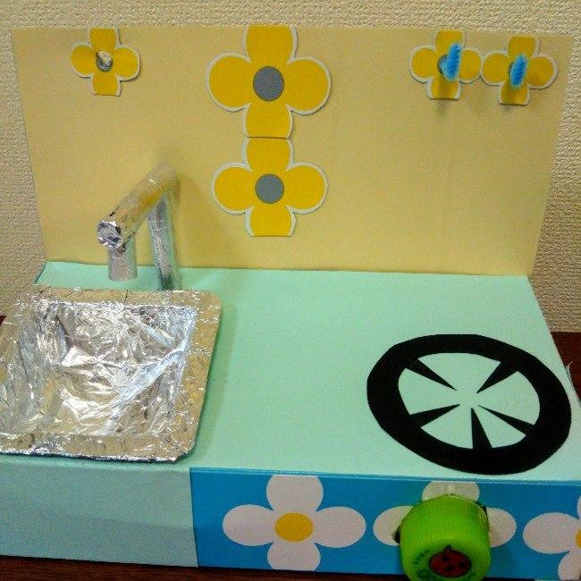 ティッシュ箱でままごとの台所・流し台を手作りする方法