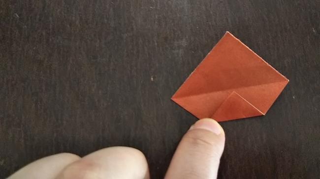 9月10月11月の折り紙|簡単などんぐりの折り方・作り方②2枚の折り紙を使用