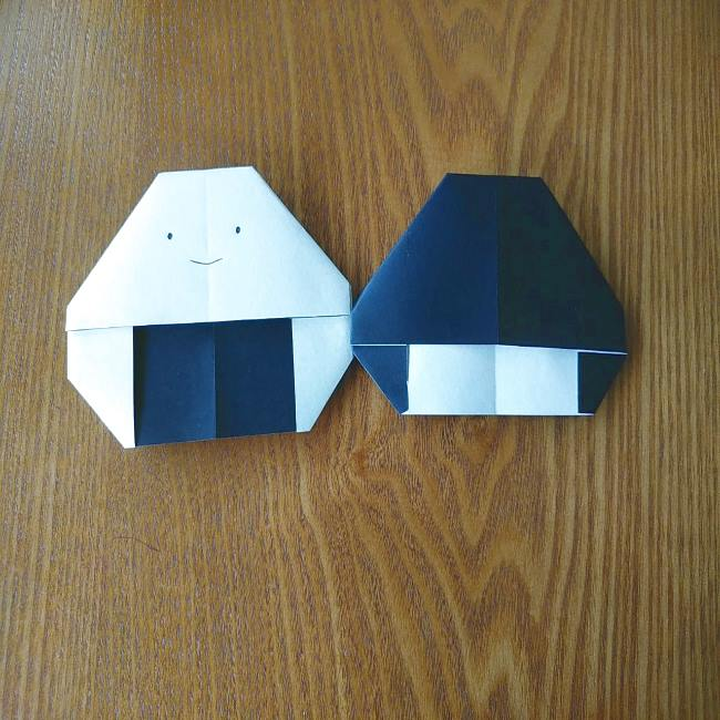 すみっこぐらし『おにぎり』の折り紙*折り方(平面) (10)