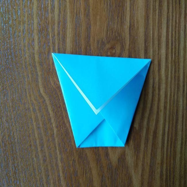 すみっこぐらしの折り紙もぐら・ぺんぎん(本物)の折り方 (4)