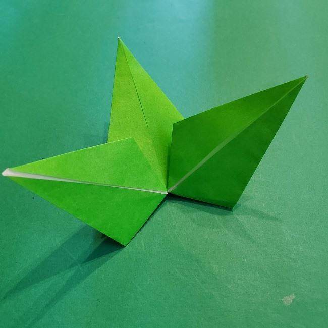折り紙【竹の葉】の折り方・作り方♪七夕飾りや正月飾りの松竹梅にも!