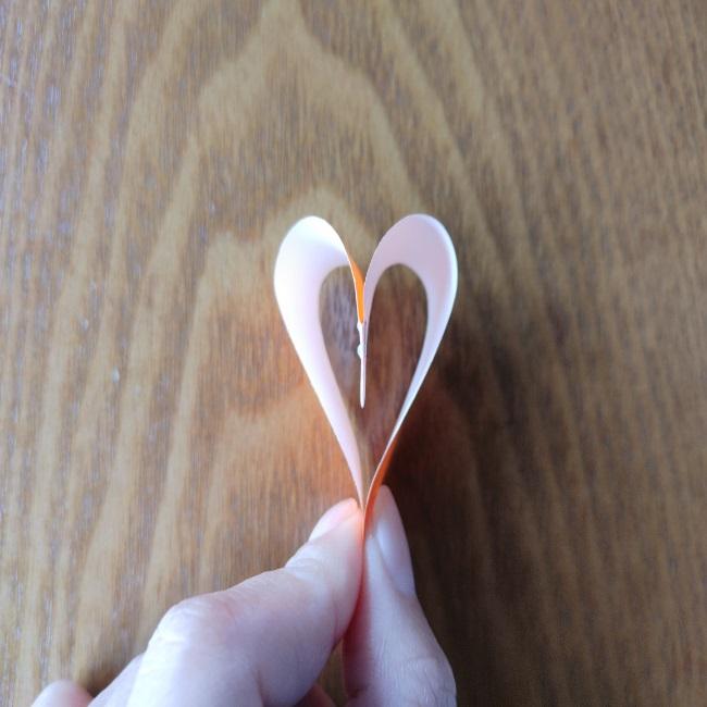 折り紙でハートをつなげる方法 (6)
