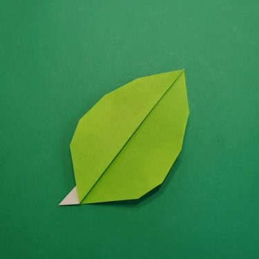 折り紙【椿の葉っぱ】の折り方・作り方★折り図つきで紹介!