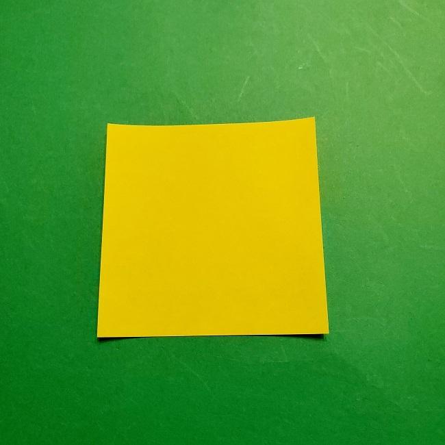 12枚の折り紙でつくる【松竹梅の折り紙リース】折り方・作り方 (1)