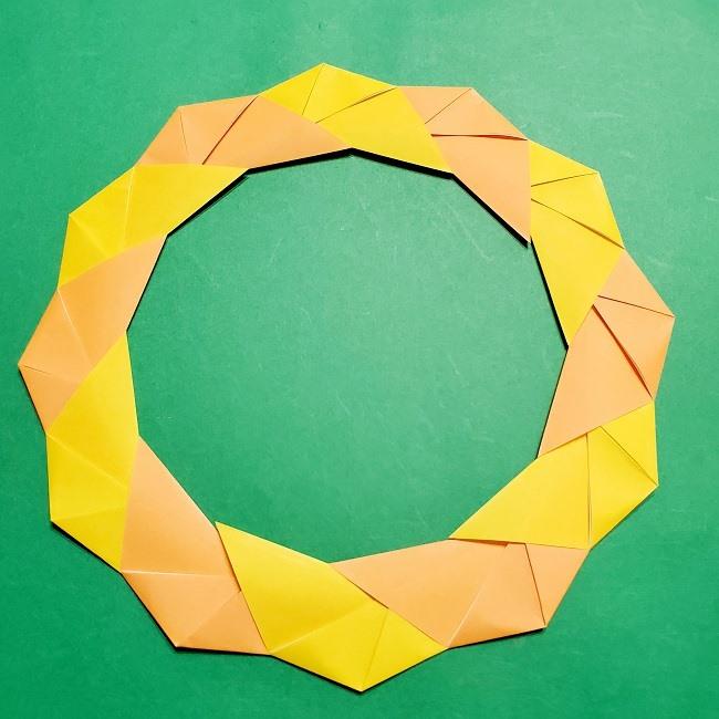 12枚の折り紙でつくる【松竹梅の折り紙リース】折り方・作り方 (10)