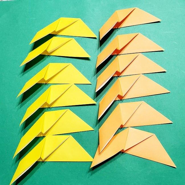 12枚の折り紙でつくる【松竹梅の折り紙リース】折り方・作り方 (7)