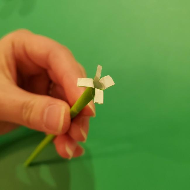 チューリップの折り紙 4歳児とつくった茎・葉(立体)の作り方 (15)