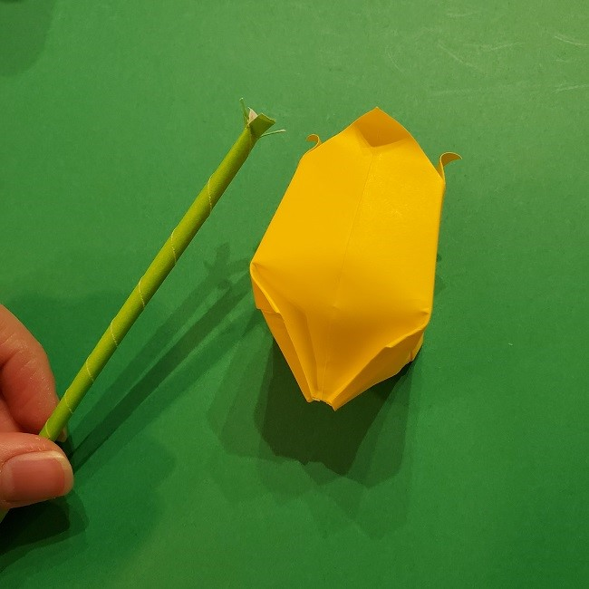 チューリップの折り紙 4歳児とつくった茎・葉(立体)の作り方 (16)