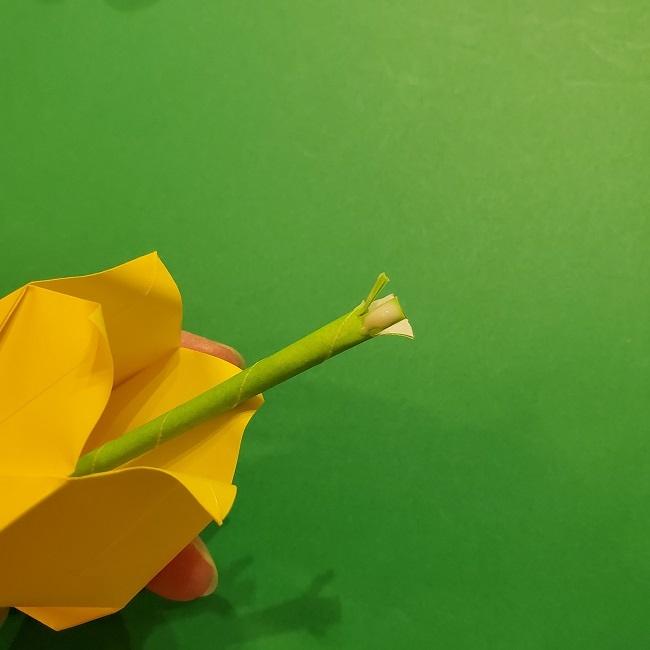 チューリップの折り紙 4歳児とつくった茎・葉(立体)の作り方 (18)