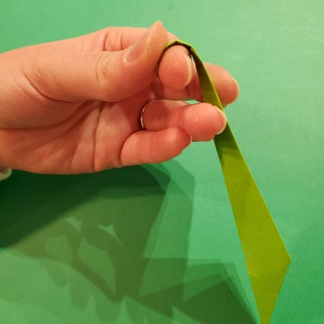 チューリップの折り紙 4歳児とつくった茎・葉(立体)の作り方 (31)