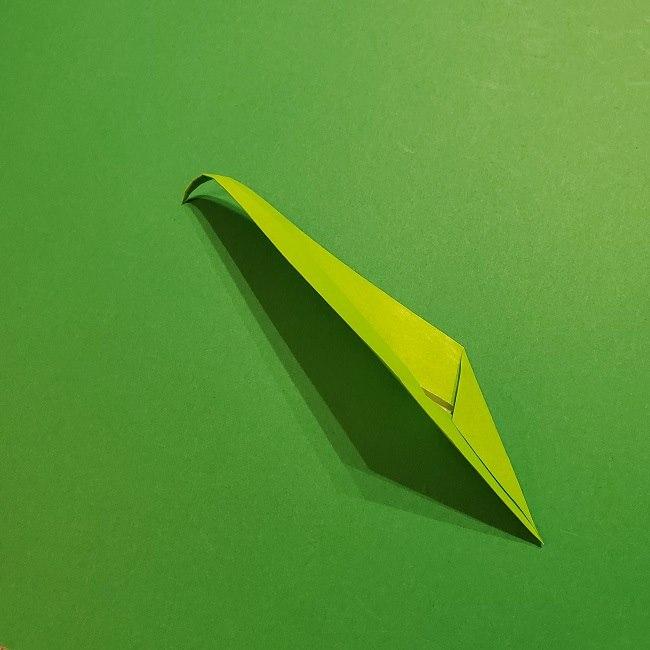 チューリップの折り紙 4歳児とつくった茎・葉(立体)の作り方 (32)