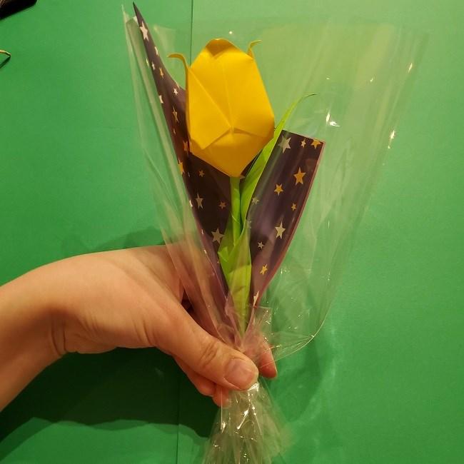 折り紙でチューリップをラッピングする方法★ (13)