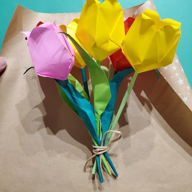 折り紙でチューリップをラッピングする方法★ (23)