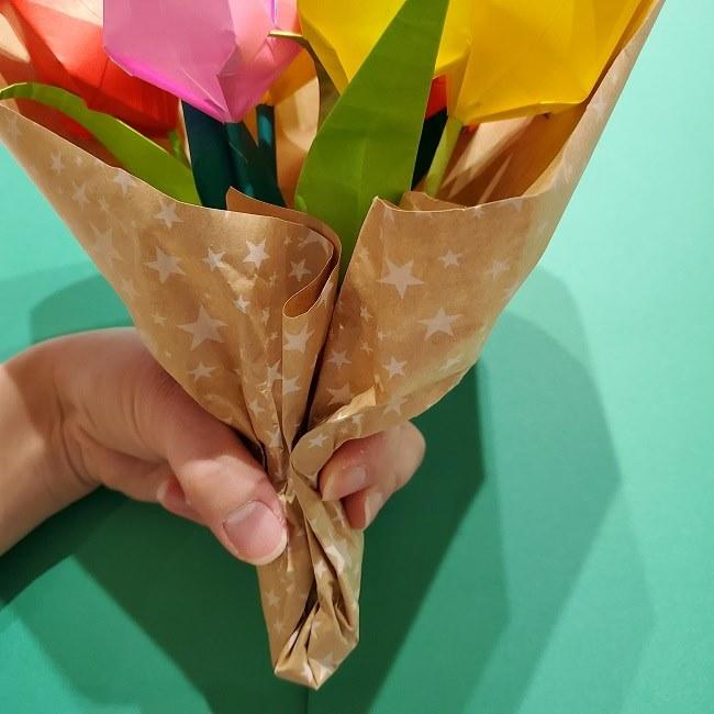 折り紙でチューリップをラッピングする方法★ (26)