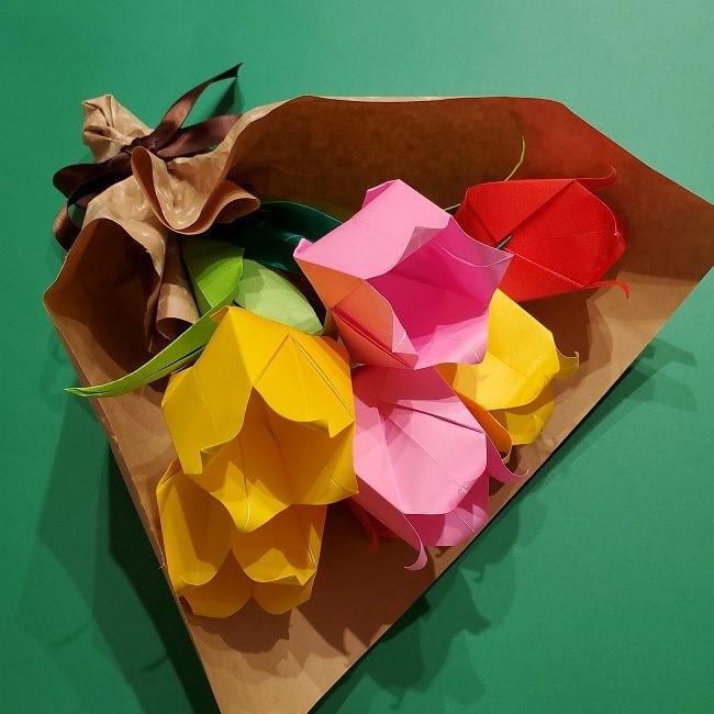 折り紙でチューリップをラッピングする方法★ (29)
