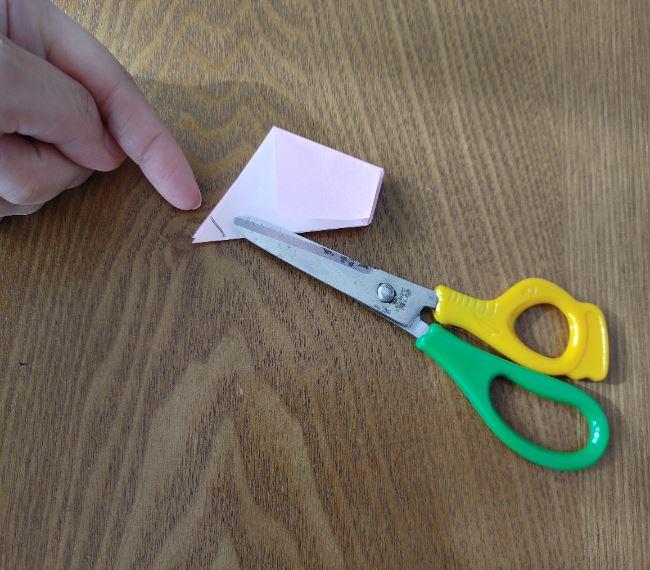 折り紙の桜 5枚でも簡単な折り方切り方 (11)