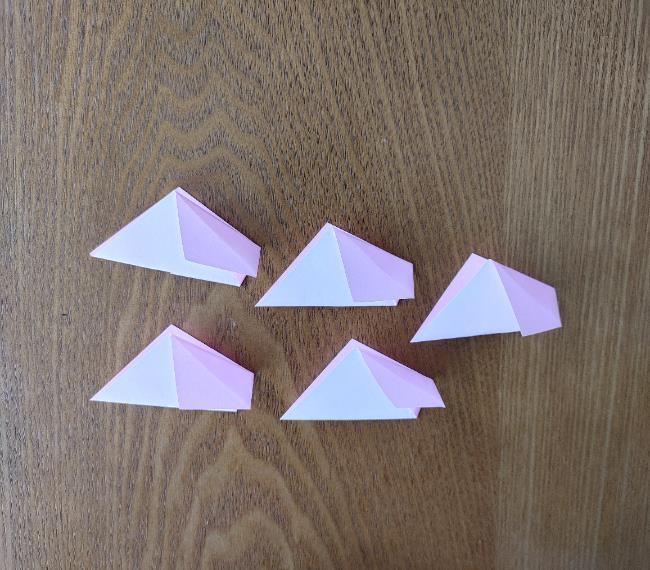 折り紙の桜 5枚でも簡単な折り方切り方 (9)