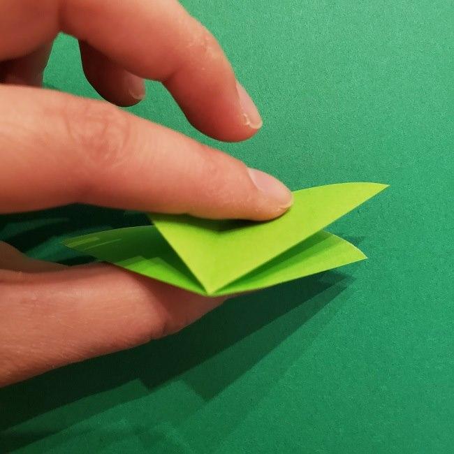 折り紙花リースの土台の作り方【葉っぱの壁飾り】 (12)