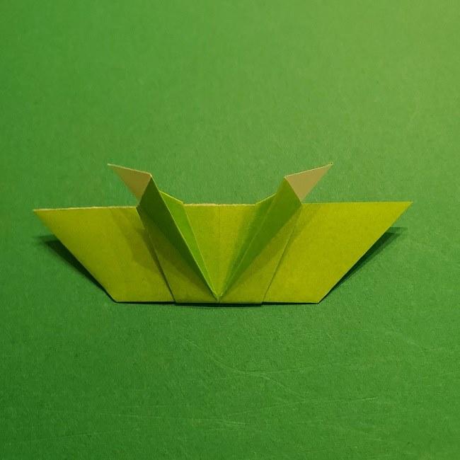 折り紙花リースの土台の作り方【葉っぱの壁飾り】 (26)