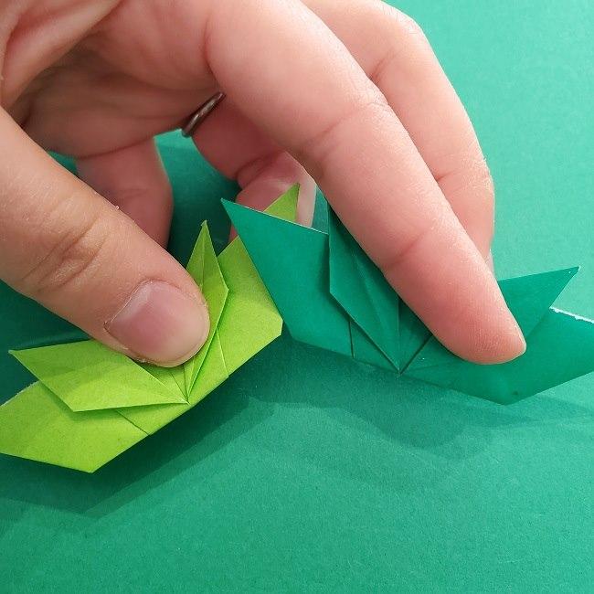 折り紙花リースの土台の作り方【葉っぱの壁飾り】 (30)