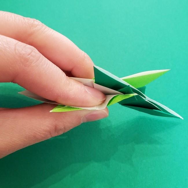 折り紙花リースの土台の作り方【葉っぱの壁飾り】 (32)