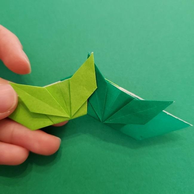 折り紙花リースの土台の作り方【葉っぱの壁飾り】 (35)