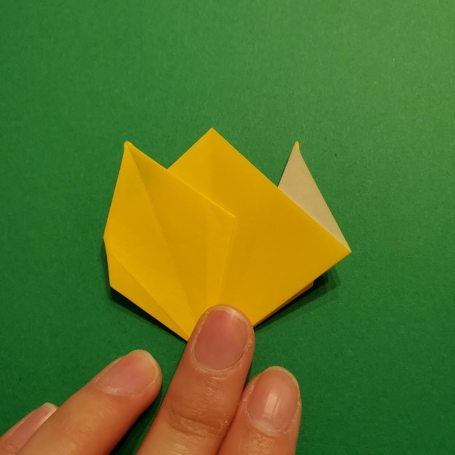 折り紙 チューリップのリースの作り方 (26)
