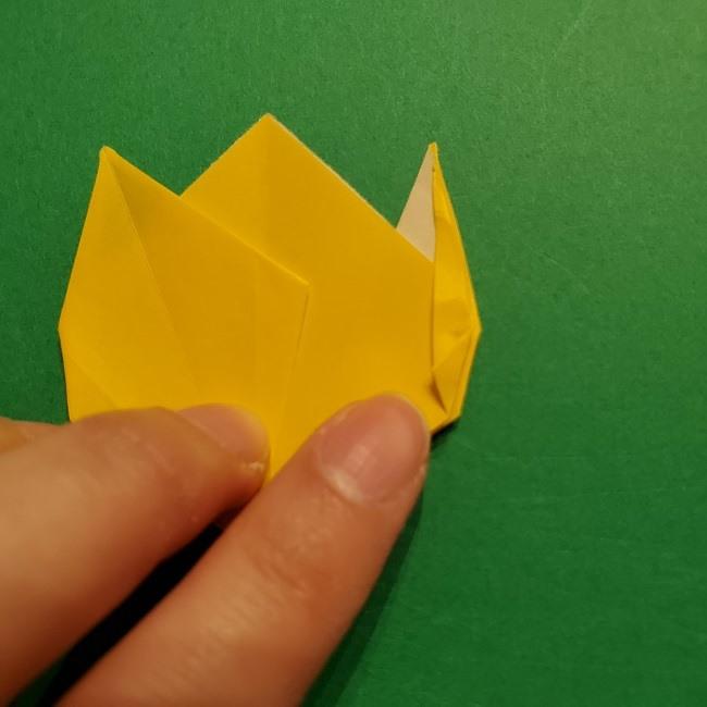 折り紙 チューリップのリースの作り方 (28)