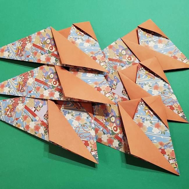 折り紙 桜の立体的なリースの作り方 (21)