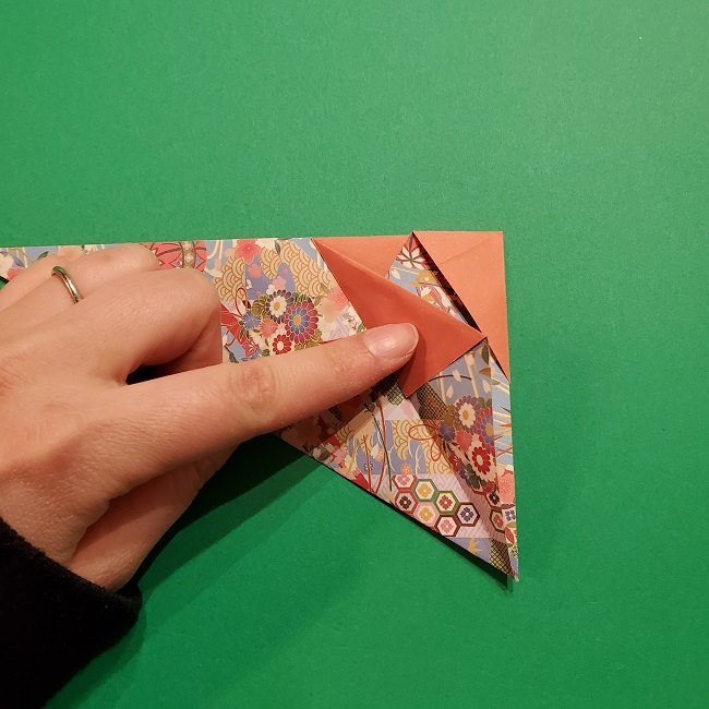 折り紙 桜の立体的なリースの作り方 (22)