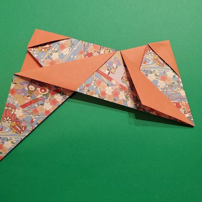 折り紙 桜の立体的なリースの作り方 (24)