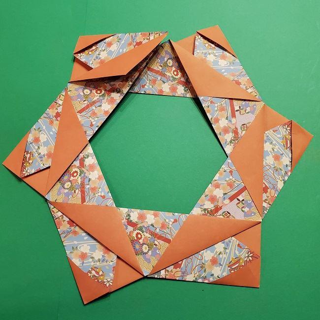 折り紙 桜の立体的なリースの作り方 (26)