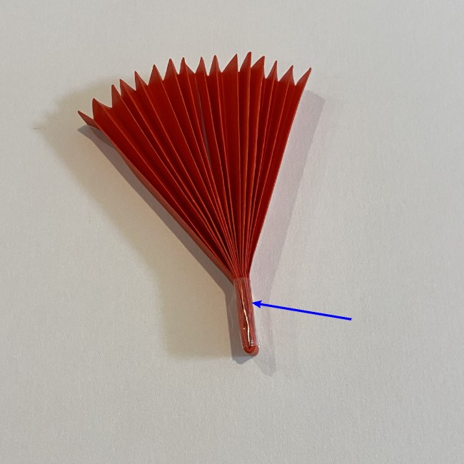 カーネーションの折り紙 幼稚園の子どもでも簡単!折り方作り方 (10)